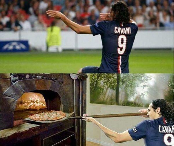 Napastnik PSG zamienił się w kucharza i zrobił włoskie danie • Edinson Cavani wkłada pizzę do pieca w koszulce klubowej • Zobacz >> #cavani #psg #football #soccer #sports #pilkanozna #memes #funny