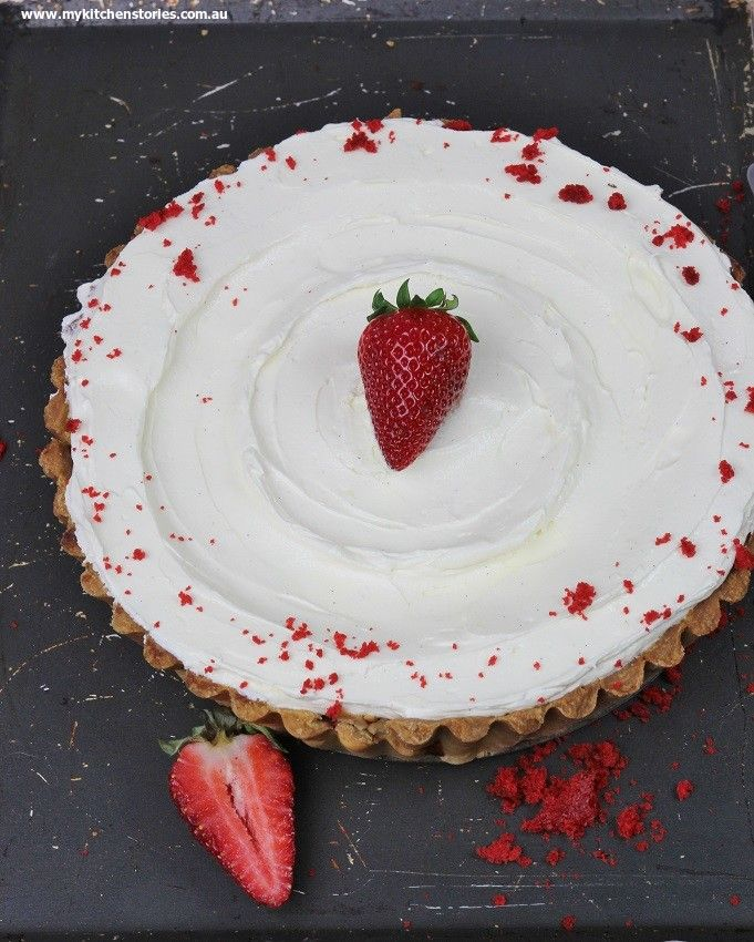 Actually this one looks pretty damn good too! My Kitchen Stories - Red Velvet Tart