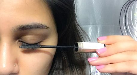 Most Common Mascara Mistakes - only applying to the tips