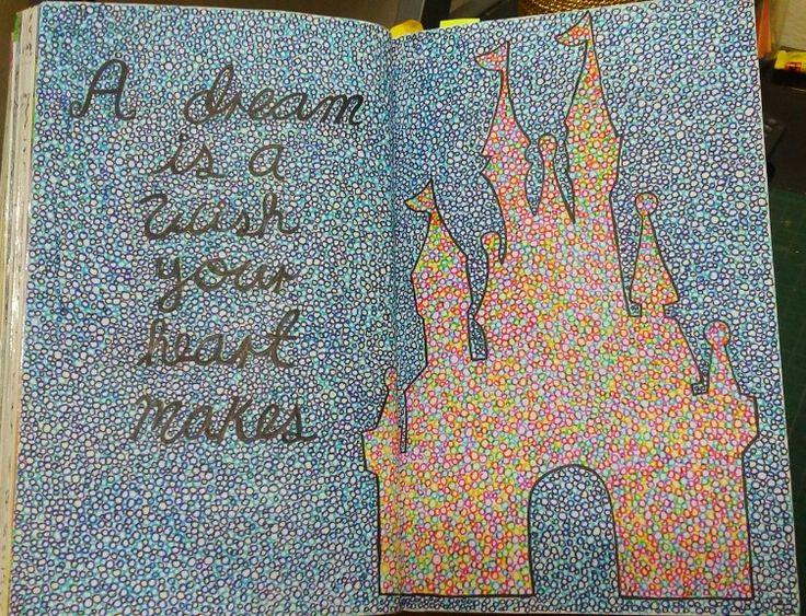 """Destroza este diario/ Wreck this journal """"Llena esta página de circulos"""" """"Fill this page with circles"""" #Disney"""