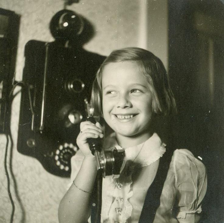 Little girl on the telephone