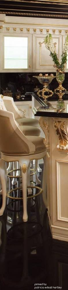 Luxury Mansions - gorgeous kitchen inspiration