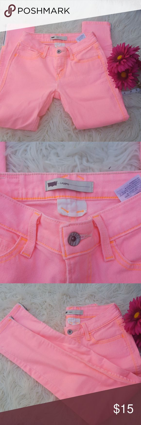 Levis neon pink jeans Low-rise with zipper on the ankle. Tag says leggins. Levi's Jeans Skinny
