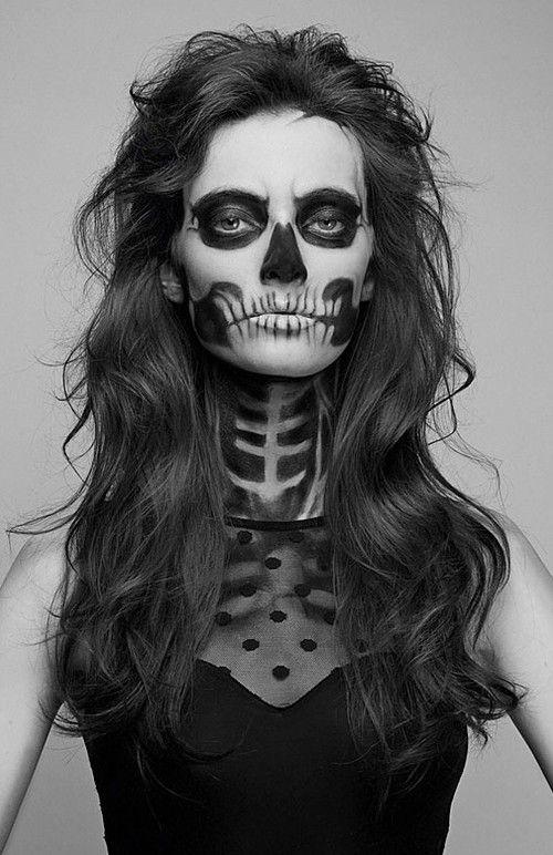IDEIA DE MAKE-UP PARA O DIA DAS BRUXAS – É bastante comum as grandes revistas de moda europeias lançarem editoriais inspirados no Halloween – ou Dia das Bruxas. Difícil é imaginar que p…