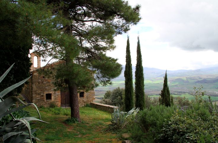 """at the end of """"via del paradiso"""" in Sant'Angelo, Montalcino, Siena you find this little church with a stunning view on the valley to the Amiata"""