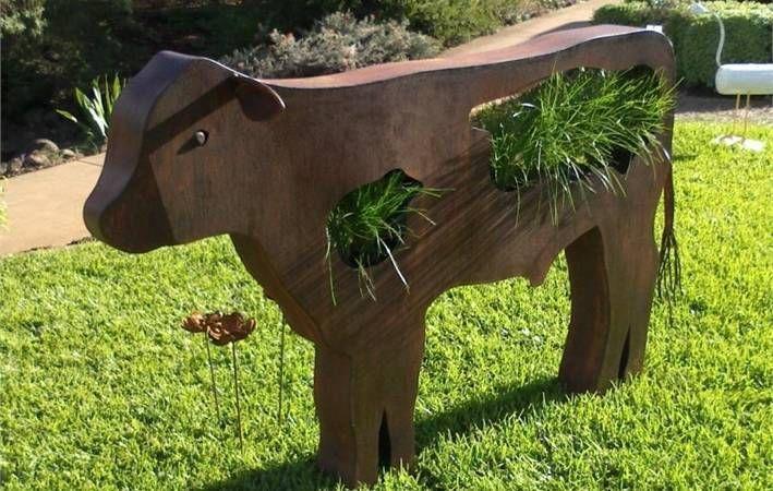 Makers Lane :: Cow Sculpture