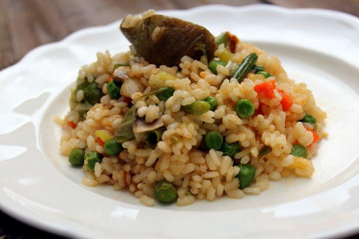 Arroz con verduras. Receta de aprovechamiento.    [ad#horizontal]  El arroz es uno de los ingredientes