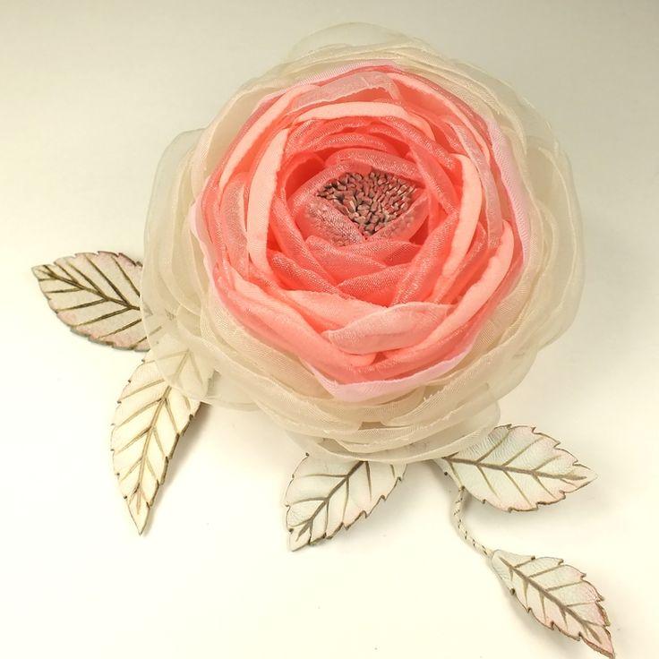 Купить Сахарно - Розовый Этюд. Брошь с цветами из ткани и натуральной кожи - цветок, цветы