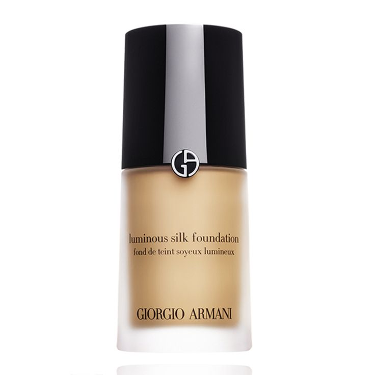 Giorgio Armani Luminous Silk Foundation, silky, lightweight fluid foundation for seamless application.  Capture the glow of perfect looking skin with Giorgio Armani Luminous Silk...