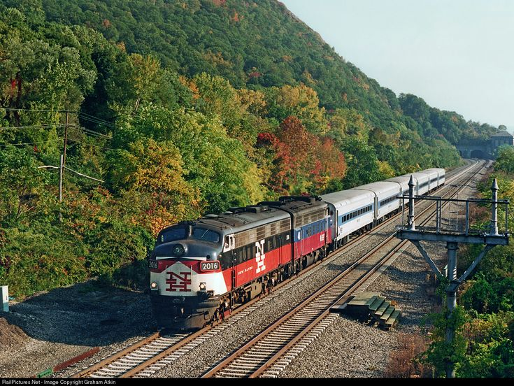 MNCW 2016 Metro-North Railroad EMD FL9DM at Breakneck Ridge, New York by Graham Atkin