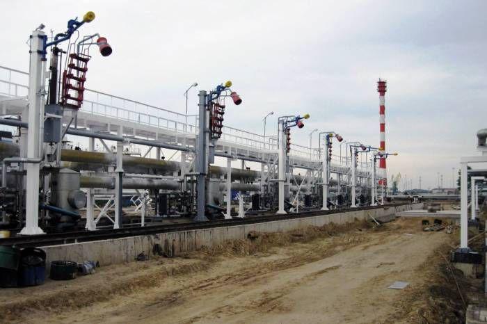 Проектирование электрообогрева трубопроводов http://www.nftn.ru/proektirovanie-elektroobogreva-truboprovodov  Специалисты Тюменского нефтяного научного центра провели сравнение двух распространенных способов расчета мощности электрообогрева промысловых трубопроводов и пришли к выводу, что при сопоставимых рисках капитальные затраты на реализацию разных подходов могут существенно отличаться. Однако окончательное решение о выборе способа расчета мощностей для обогрева должно учитывать в каждом…