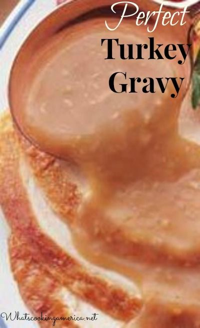 Perfect Turkey #Gravy Recipe and Troubleshooting Tips - made using the turkey giblet stock, pan drippings, and meat juices from the roast #turkey