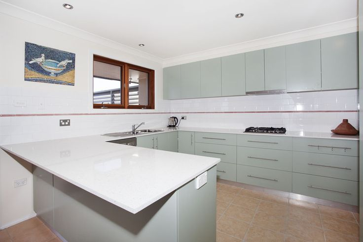 modern kitchen- 'Its all to do with the Views' holiday home call 9527-7733 bundeenarealestate.com.au