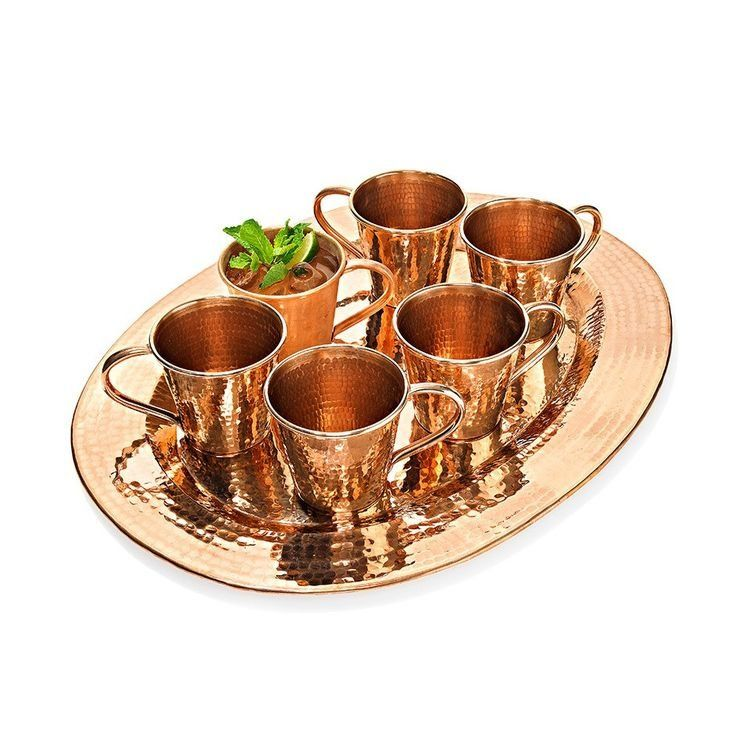 Gift: Moscow Mule Mug Set ($365) Why Oprah loves it: Aside from the fact that moscow mules are her go-to cocktail, she has a weakness for the handmade, hammered copper finish.