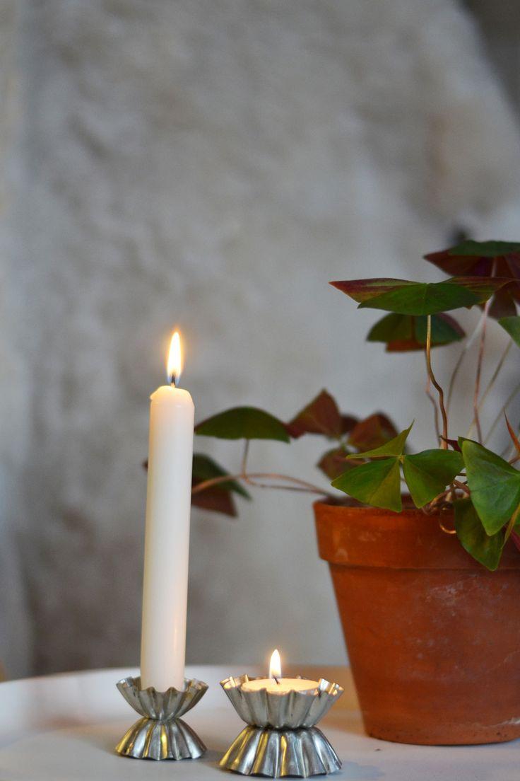 Ljusstakar av gamla kakformar - Diagnos:Kreativ #återbruk #ljusstakar #diy