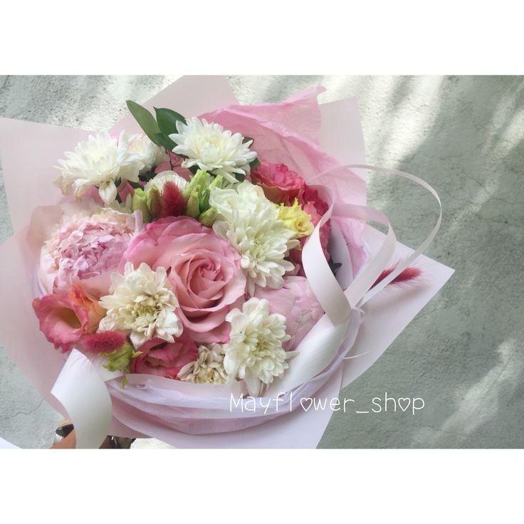 Нежный букет. Букет бело-розовый. Розовые пионы Алматы