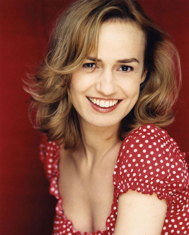 Sandrine Bonnaire est une actrice, réalisatrice et scénariste française née le 31 mai 1967 à Gannat dans le département de l'Allier