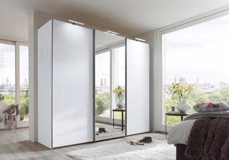 Moderner, 3-türiger Schwebetürenschrank von nolte Germersheim mit polarweißer Kunststoffoberfläche, mittig eine Kristall-Spiegeltür. So macht wohnen Spaß. #schlafzimmer #schrank #möbel #furniture #home