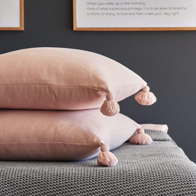 moyha_cushion_touch_of_powder_pink (1)