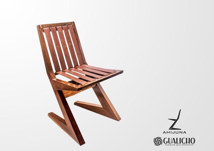 Ahijuna es una silla proyectada para usar en diferentes ambientes del hogar. Su cálido asiento y respaldo resueltos con lonjas de cuero vacuno garantizan un confortable reposo. Firme y robusta, construida en madera de Guayubira rompe con el esquema de silla tradicional, proponiendo un atractivo y desequilibrante juego visual que aumentando el deseo de descansar sobre ella.