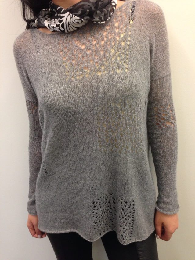 Sweater from recycled cashmere with random lace