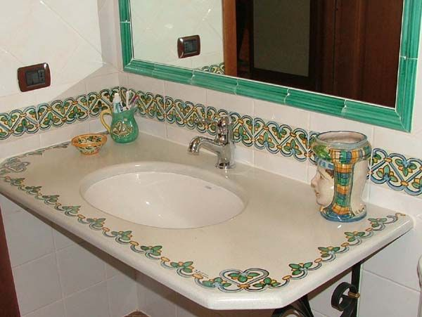 17 best images about stile italiano bagni on pinterest for Maioliche bagno