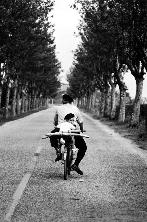 @Denais Peluch   provence, france, 1955  © elliott erwitt/ magnum photos, from elliott erwitt snaps