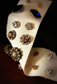 DIY Earring Holder (Just A Miss-Take.tumblr)There are a ton of jewellery storage options for all your favourite pieces, but often the one category that's hardest to keep track of are stud earrings. The easiest and prettiest way I've found to store...