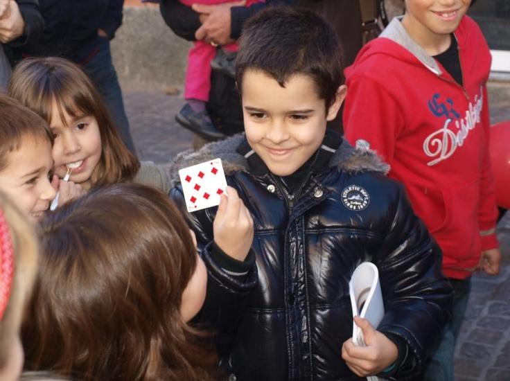 Estuvimos participando con nuestros colaboradores, los centros de estética Trasserra, en la apertura de uno de sus nuevos locales en matadepera, Barcelona. Lo pasamos genial realizando magia de proximidad para los asistentes al evento. www.tumago.com