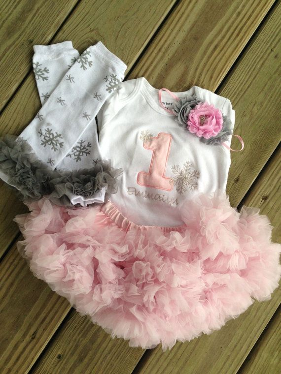 @Melissa Squires Newman Winter ONEderland birthday outfit winter wonderland by CEBowtique, $50.00.....we can do something like this for Nevaeh......