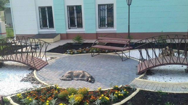 Памятник собаке, ждущей своего хозяина на станции Злобино в Красноярске