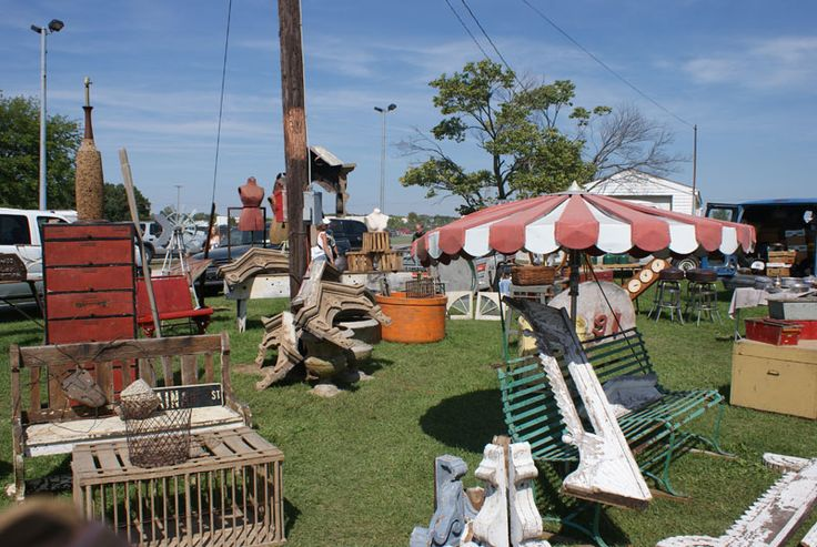 I have never been to a midwest USA flea market before and this came recommended by a colleague!  Springfield, Ohio Springfield Antique Show & Flea Market.  Definitely a fun weekend roadtrip idea with the kids!