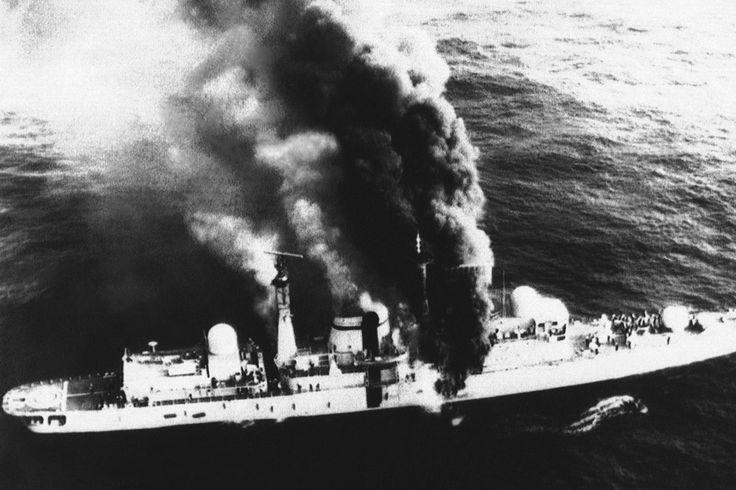 Armando Mayora recuerda el ataque al buque inglés, un duro golpe para las fuerzas británicas durante el conflicto; cómo fue el vuelo que marcó un hito en Malvinas