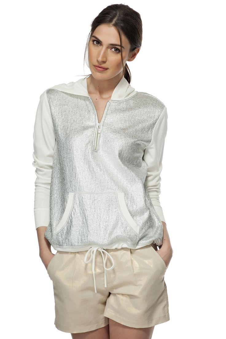 Haut métallique avec capuchon / Hooded foil print sweatshirt https://www.tristanstyle.com/en/women/sweaters-cardigans/hooded-foil-print-sweatshirt/11/fv040c1095z/ #tristanstyle #metallic #ss15