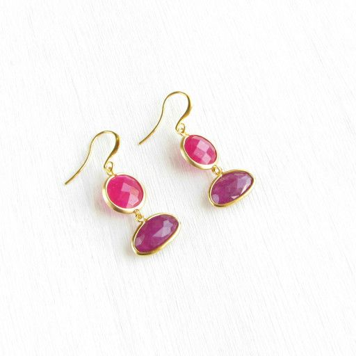 History of creation: Are you looking for something new and stylish for yourself or your friend in the new year? We all love new trends. World famous jewelry designers in Trend book for 2017 opened us a secret, that fuchsia and purple lilac colors will be ones of the most fashionable and stylish in the coming 2017 year. My fashionable and stylish earrings with fuchsia jeweler's glass and purple lilac jade are supporting the new trend of 2017.  The earrings will ideally complete your image ...