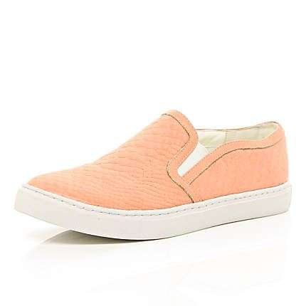 Coral snake textured plimsolls €25.00