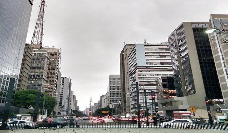 A avenida paulista não é só a mais paulista das avenidas, ela é palco da efervescência multicultural da cidade, lugar onde tudo têm