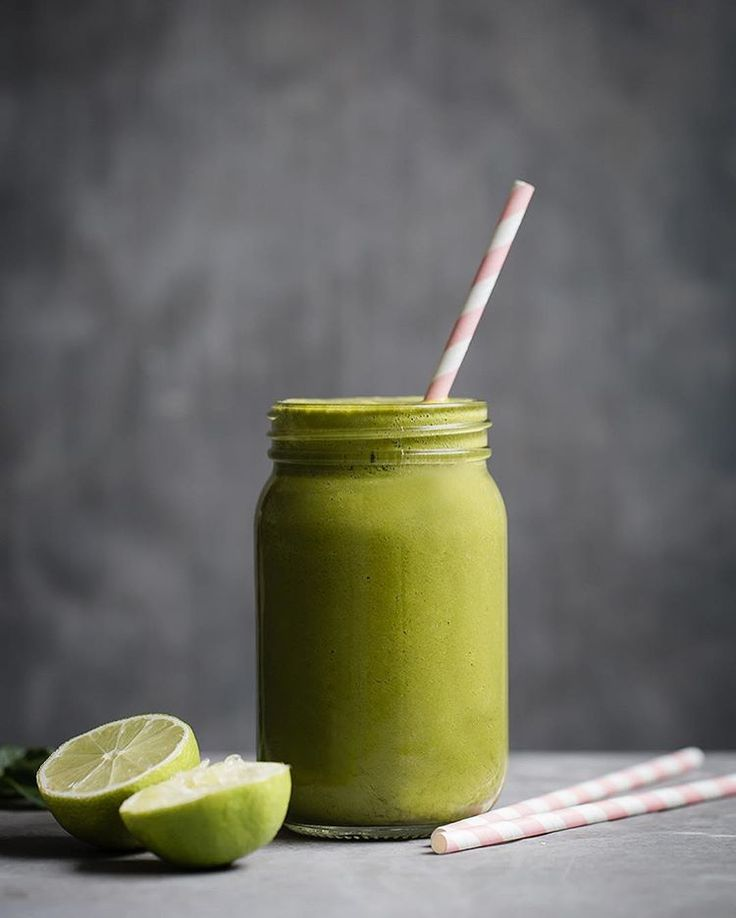 Kale, Carrot And Avocado Juice via @feedfeed on https://thefeedfeed.com/paleocrust/kale-carrot-and-avocado-juice