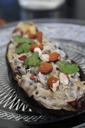 Aubergines farcies aux champignons, ricotta & amandes grillées