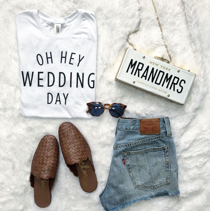Oh Hey Wedding Day!! The best #wedding and #bride shirt you need. Also comes in a tank top!! www.taylorwolfeshop.com