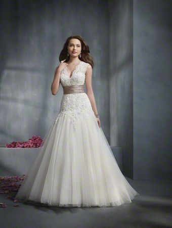 Alfred Angelo, 2243. White lace and tulle