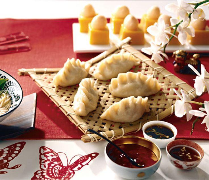 Rezept für Gefüllte Klößchen bei Essen und Trinken. Und weitere Rezepte in den Kategorien Gemüse, Gewürze, Nüsse, Schwein, Alkohol, Vorspeise, Party, Fingerfood / Snack, Kochen, Chinesisch.
