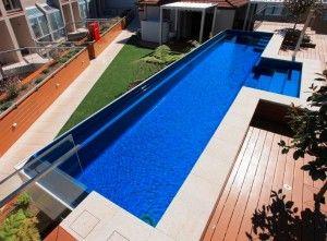Keramické bazény nad zemou - čiastočne, alebo úplne. Vďaka inovatívnej technológii Maxi Rib, môžu byť bazény Compass inštalované na takmer ľubovoľné miesto.