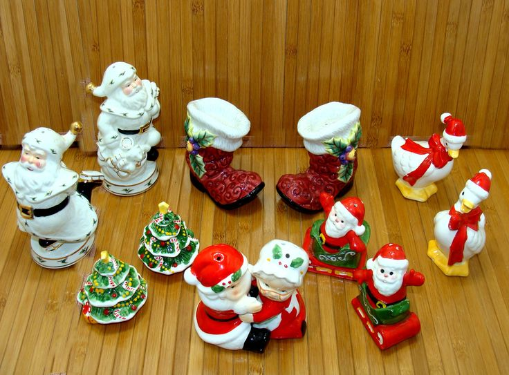 Vintage christmas salt and pepper collection-nice holiday salt and pepper shakers-hugging santa mrs claus-salt pepper lot-christmas in july by BECKSRELICS on Etsy