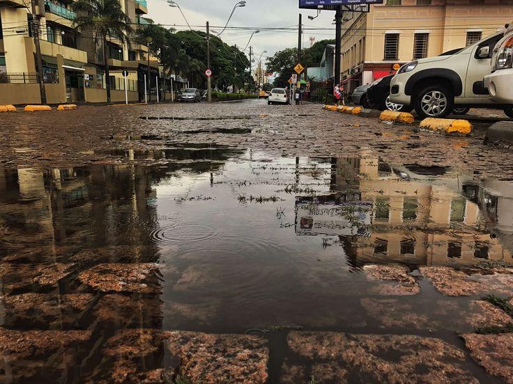 Meteorologistas preveem mais chuva para Botucatu nos próximos dias -     As áreas de instabilidade se formam sobre o estado de São Paulo, provocando chuvas e causando muita nebulosidade. A partir desta quinta-feira, dia 26, a passagem de uma frente fria pelo oceano Atlântico, na altura do litoral paulista, reforçará as condições de - http://acontecebotucatu.com.br/geral/meteorologistas-preveem-mais-chuva-para-botucatu-nos-proximos-dias/