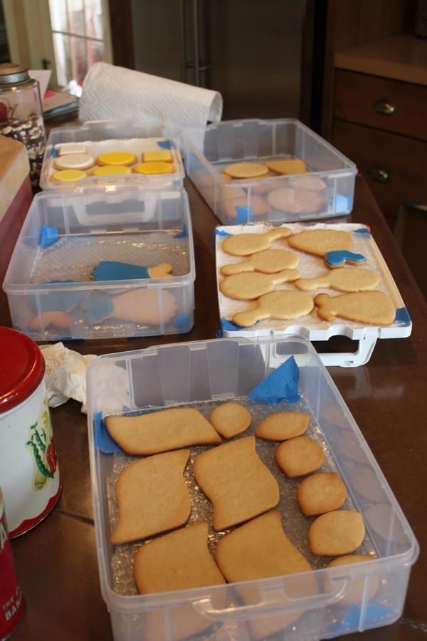Julia Usher - packing cookies for shipment tutorial
