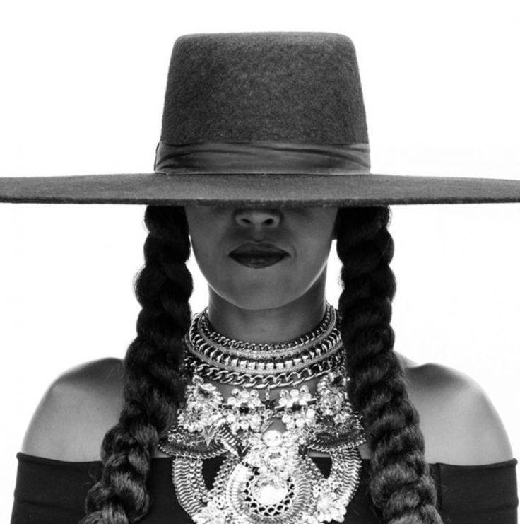Michelle Obama Dresses as Beyoncé, Vogue Taps Rihanna for Conference https://fashionweekdaily.com/michelle-obama-dresses-as-beyonce-vogue-taps-rihanna-for-conference/