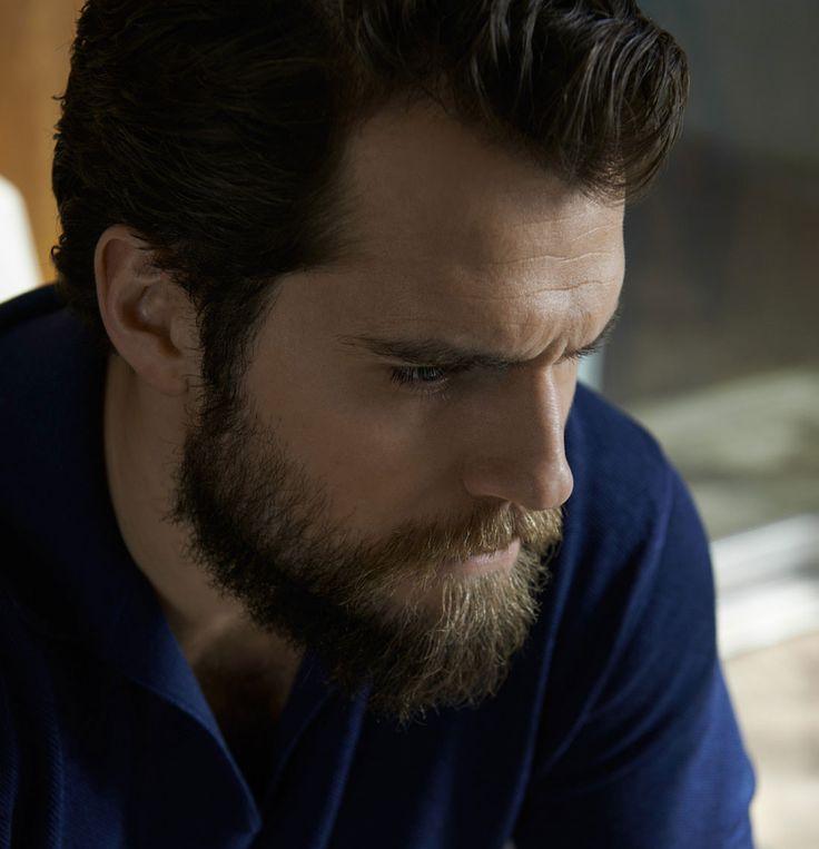 фото человека из стали с бородой многие люди