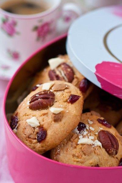 Печенье с белым шоколадом и клюквой / White Chocolate And Cranberry Cookies: tania_bondarets