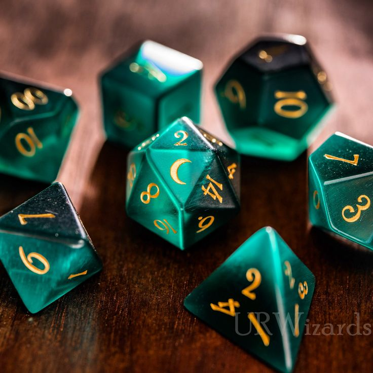 Dnd Green Cat's Eye Engraved Dice Set Moon Style